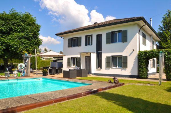 6-Zimmer-Einfamilienhaus mit wunderschönem Garten und Pool