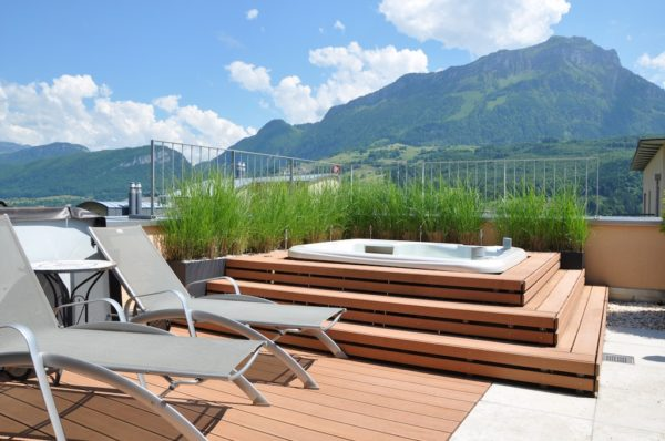 Einmalige 6.5 Zimmer Attikawohnung mit atemberaubendem See und Bergpanorama